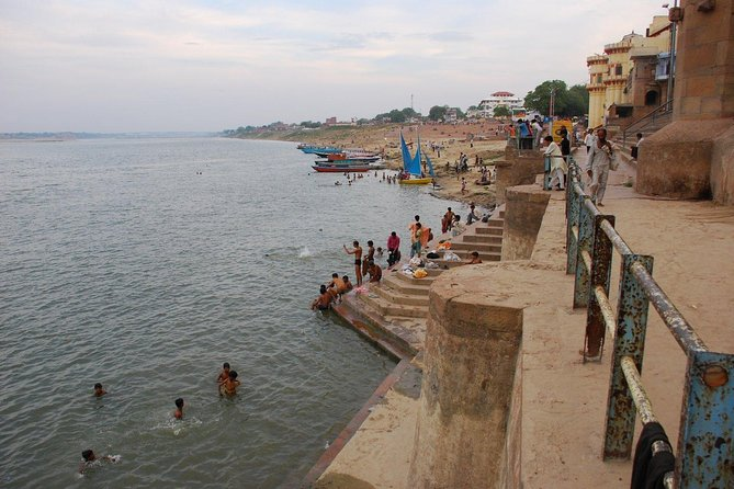 Private Full-Day Varanasi Tour with Boat Ride on the River Ganges