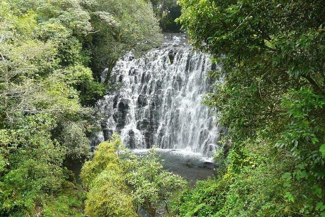 Explore Shillong From Guwahati With Breakfast & Lunch