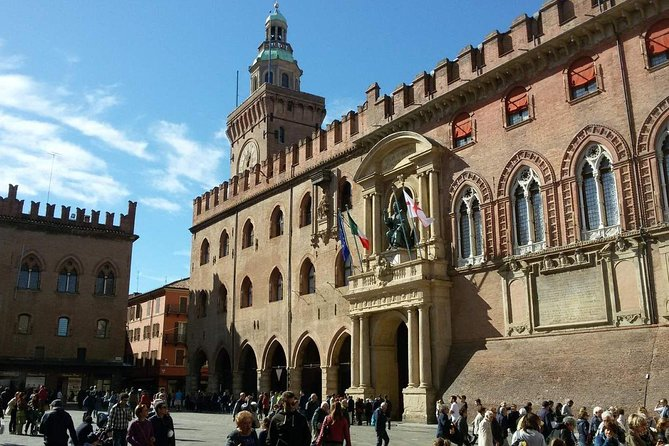 A half day in Bologna with a local: private & personalized photo 14