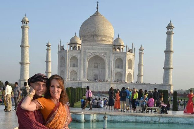 Full-Day Taj Mahal, Red Fort, and Fatehpur Sikri Tour from Agra