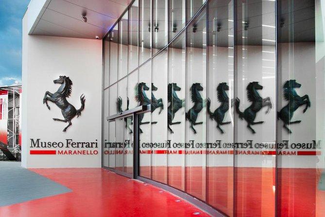 Spring over linjen: Ferrari Museum Ticket