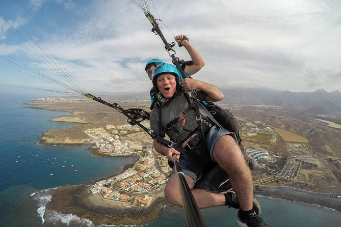 Vuelo en tándem en parapente acrobático en la zona sur de Tenerife, Tenerife, ESPAÑA