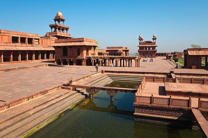 Avail Tour Guide in Fatehpur sikri & Skip the line