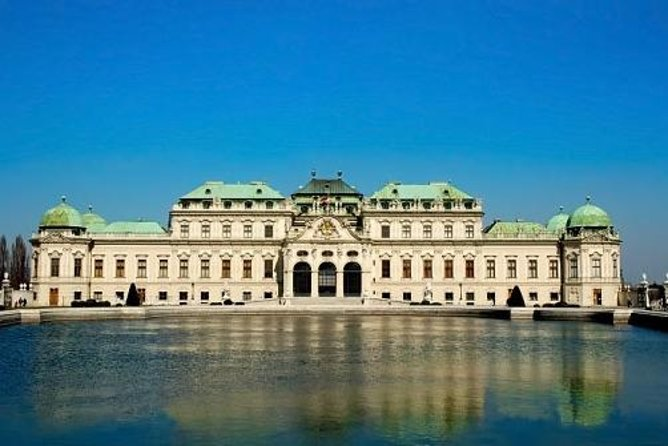 Vienna Photography Walking Tour: Music and Grandeur