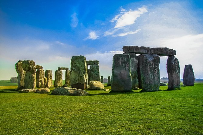 Stonehenge Private Tour by Luxury Sedan
