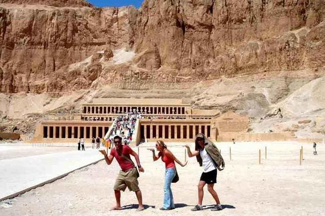 Tour to East & West Bank valley of the king ,Colossi of Memnon,Hatshepsut ,Karnak ,luxor tempels