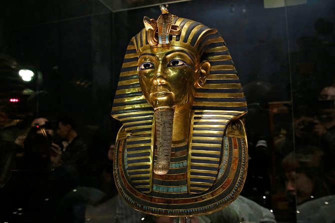 Egyptian Museum, Giza pyramids & Bazaar private Layover tour from Cairo airport