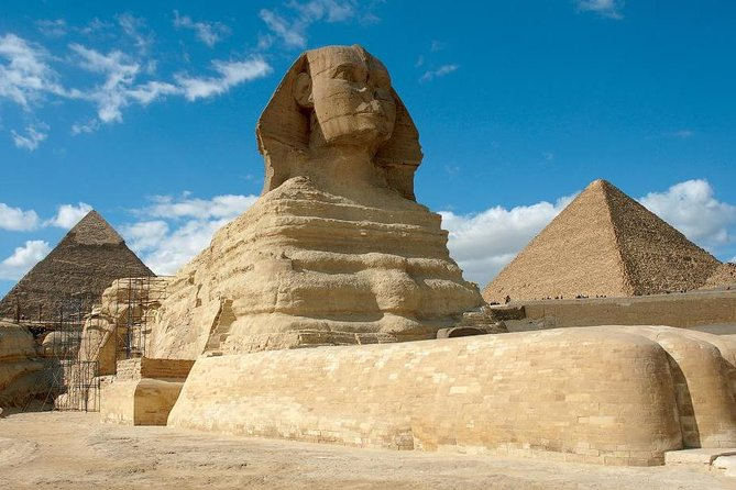 Full-Day Tour to Giza Pyramids, Sphinx and Egyptian Museum