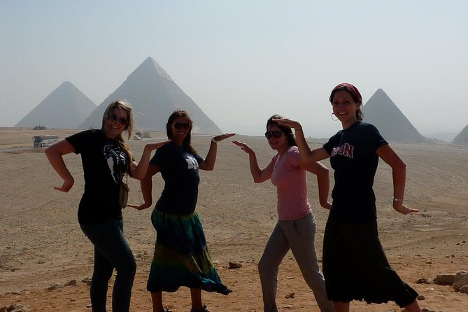 Private Guided Tour to Giza Pyramids, Sphinx, Coptic Cairo and Islamic Cairo