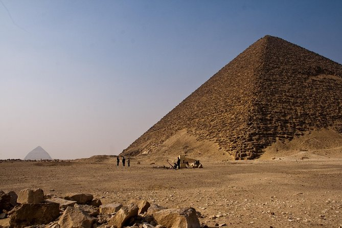 Sakkara, Dahshur and Giza pyramids Full Day Tour Including Lunch