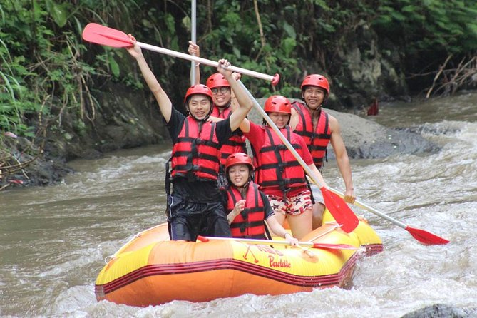 Private Day Trip Enjoy Ayung River Tubing Adventure-Ubud Palace-Ubud market
