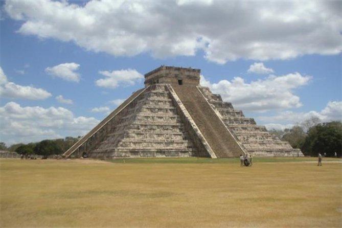 CHICHEN ITZA, VALLADOLID and CENOTE from Riviera Maya and Cancun (Private)