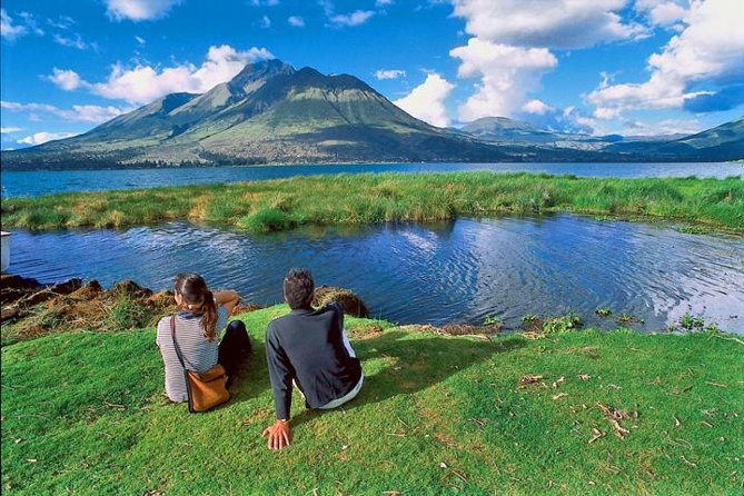 Private Otavalo and Cotacachi Day Trip from Quito