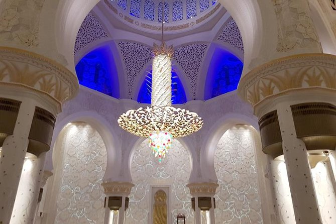 Abu Dhabi sightseeing tour from Dubai with Grand mosque visit and lunch