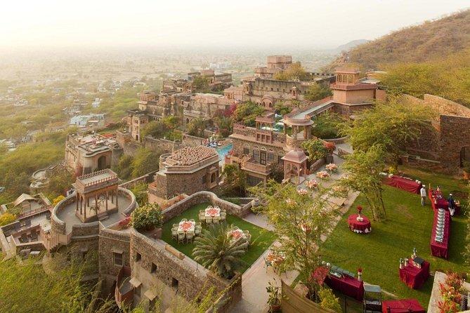 Tour guiado al fuerte de Neemrana con transportes desde Jaipur