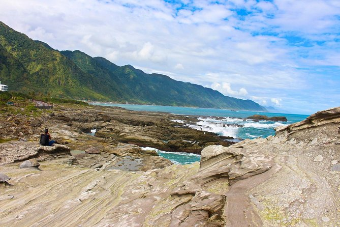 Hualien East Coast Day Tour with Shihtiping! - Small Group - In English!