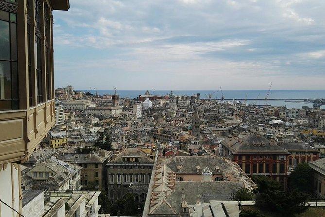 Vertical Genoa urban walking - private tour