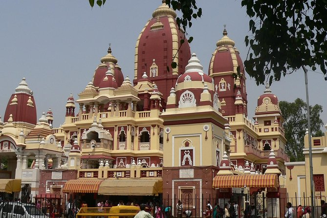 Cycling tour around Birla Temple in Delhi
