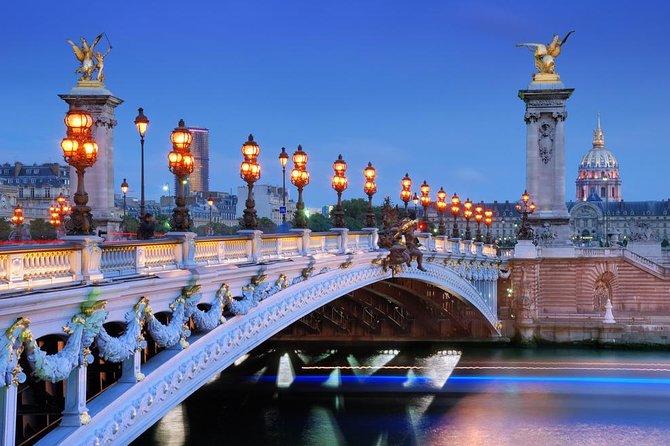 Paris 2.5-hour illuminations night tour
