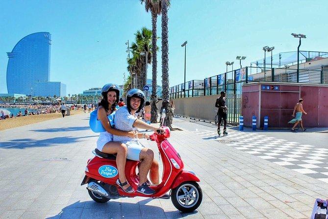 Visite de tapas de la ville de Barcelone en scooter Vespa