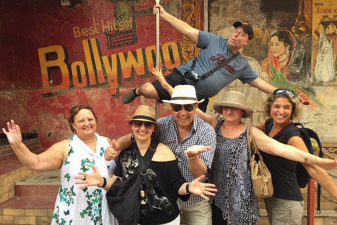 Best of Bollywood Private Tour with Lunch and Transport.