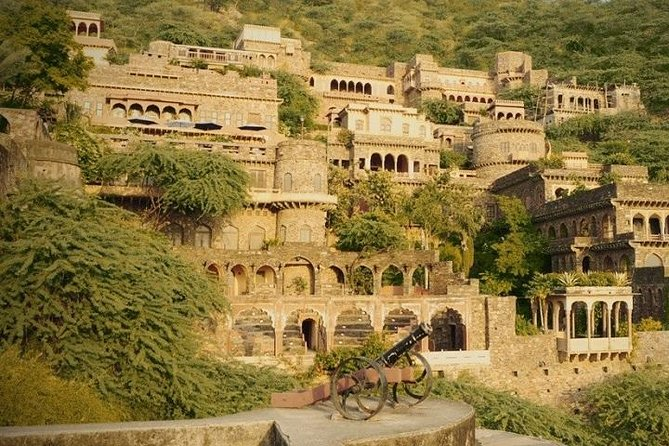 Private Abhaneri Stepwell Day Tour from Jaipur with Bhangarh, Most Haunted Place