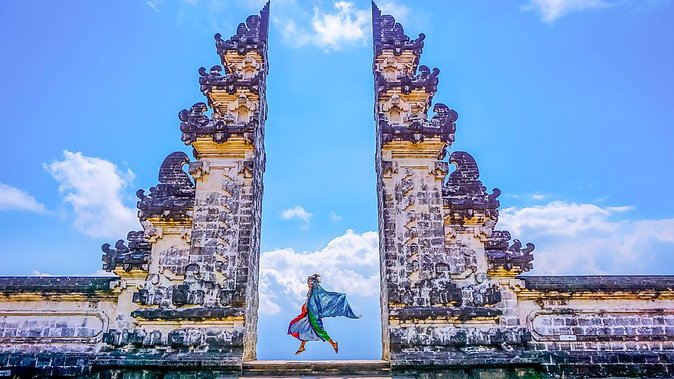 Gate of Heaven at Lempuyang Temple and East Bali Tour