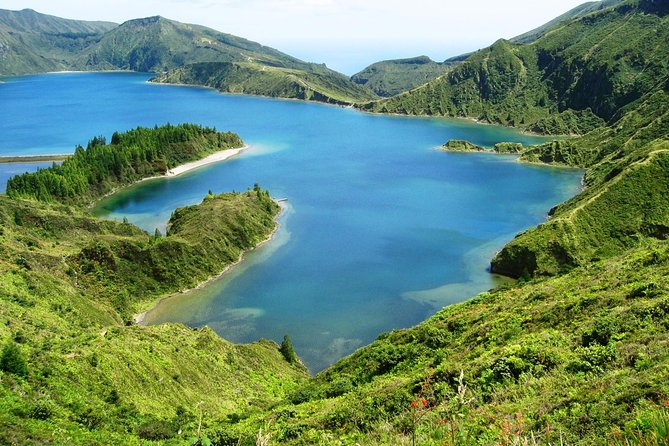 Half-Day Lagoa do Fogo Tour 4x4