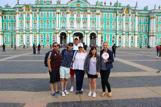 Cruise Visa Free Skip-the-line Hermitage Small Group Tour
