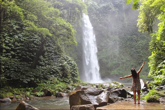 Tour Private Funtastic Nungnung Waterfall-Bratan Temple and Tanah Lot Temple