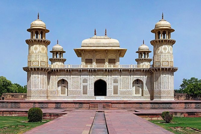 Private Taj Mahal Tour From Delhi By toy Train With Lunch