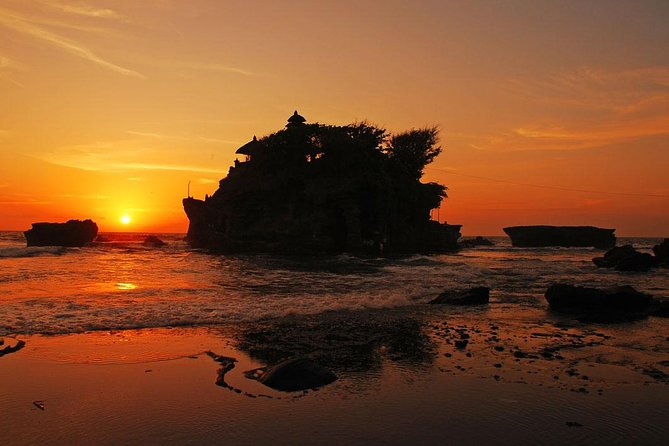 Private Half-Day Tour: Tanah Lot Sunset Trip and Dinner Packages