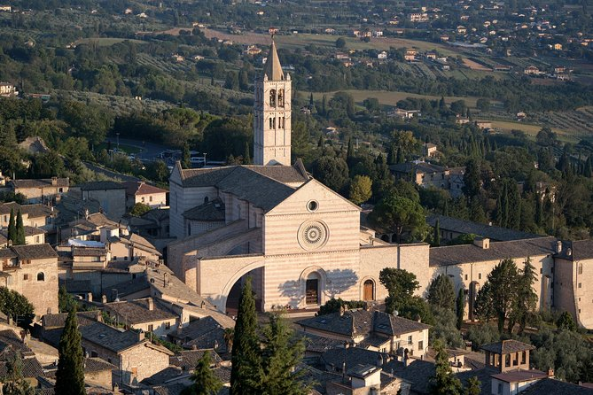 Daytrip from Rome to Orvieto, Todi & Assisi with Private Driver