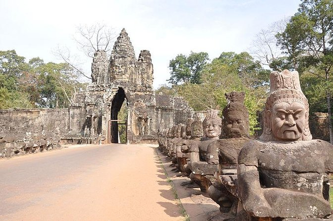 The Ancient City of Angkor Thom Tour