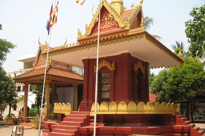 Wat Thmey Killing Field, War Museum and Floating Village ( Kompong Kleang)