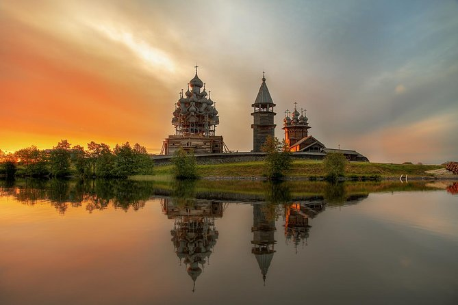 Architectural Gem within Lake Onega - Kizhi Island (High season Private tour)