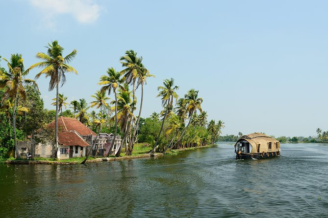Houseboat Backwater Cruise in Alleppey from Kochi