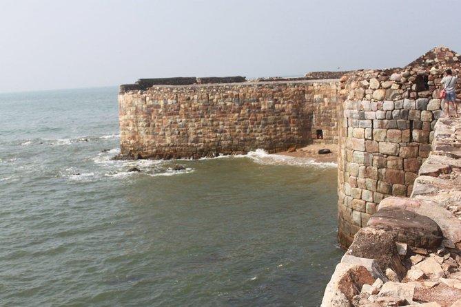 Sindhudurg Fort and Malvan Beach Tour from Goa