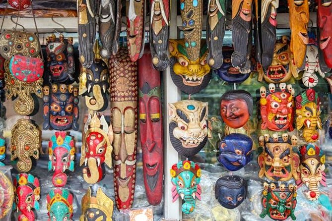 Connaught Place Street shopping & food tour in Delhi
