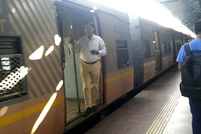 Be a local in Mumbai by riding local train & Bus