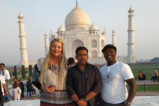 Private day tour of Taj Mahal and Agra fort by super-fast train - ALL INCLUSIVE
