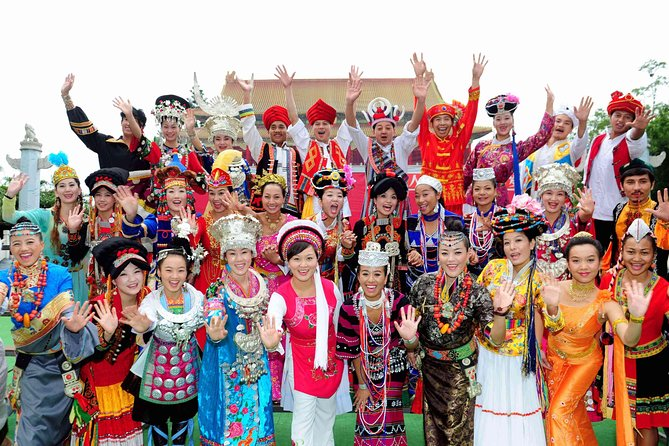 Half-Day Shenzhen Private Tour of Huaqiangbei Shopping and Dance Shows