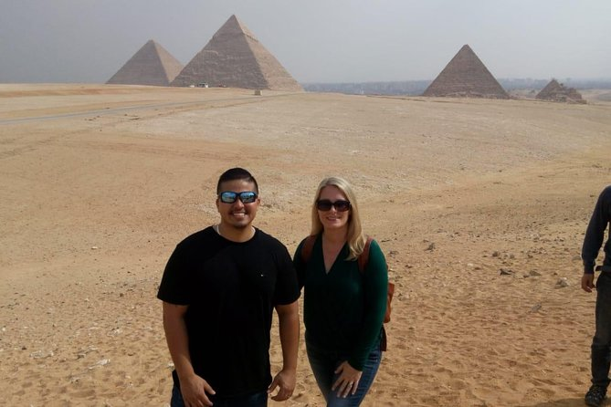 4-hours guided trip Giza pyramids from Cairo or Giza hotels