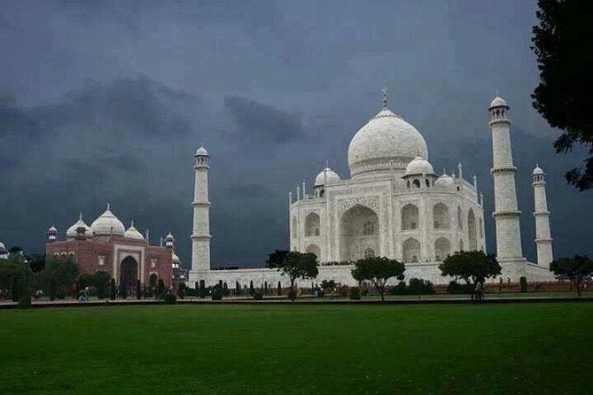 New Delhi to Agra Taj Mahal at Sunrise Tour by Car