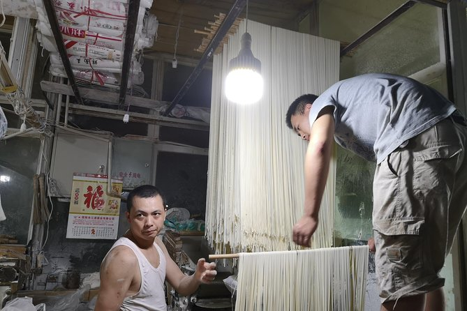 Hidden Taste of Chengdu: A 3-hour Evening Tour of Authentic Local Food and Beer