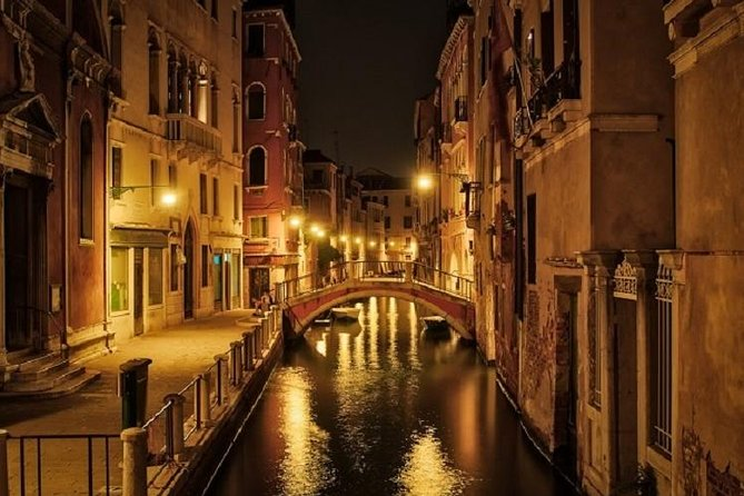 Venice Night Secrets Guided Tour from St Mark to Marco Polo House Frari & Rialto