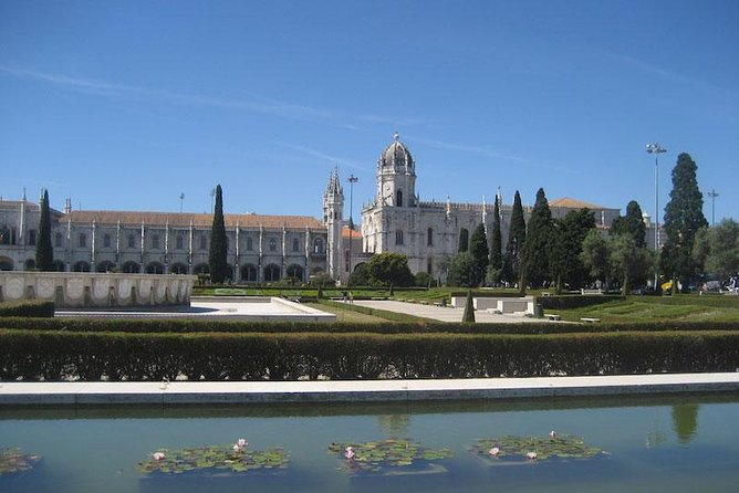Lisbon experience tailored private tour (half day)