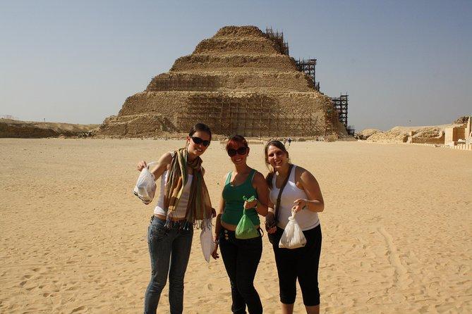 Giza tour: Half day Giza Pyramids or Egyptian Museum ....