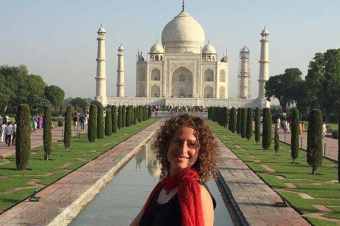 Taj mahal day tour for female traveler (solo and group)