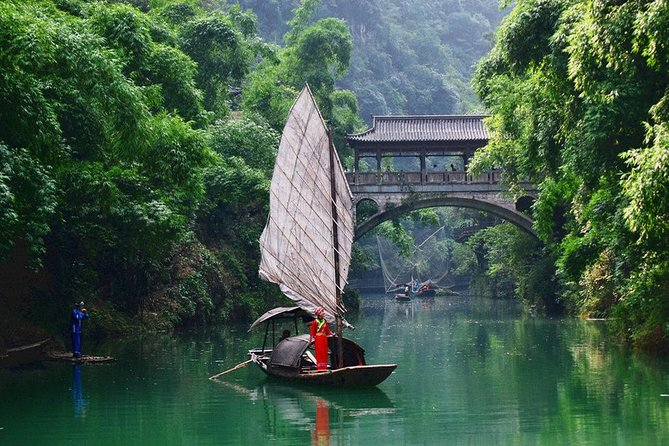 All-inclusive Private Full Day Tour of Yichang
